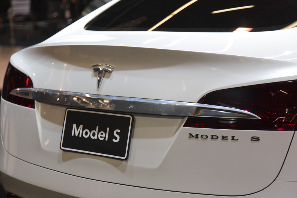 Tesla Model S (sursa - 0-100.ro)