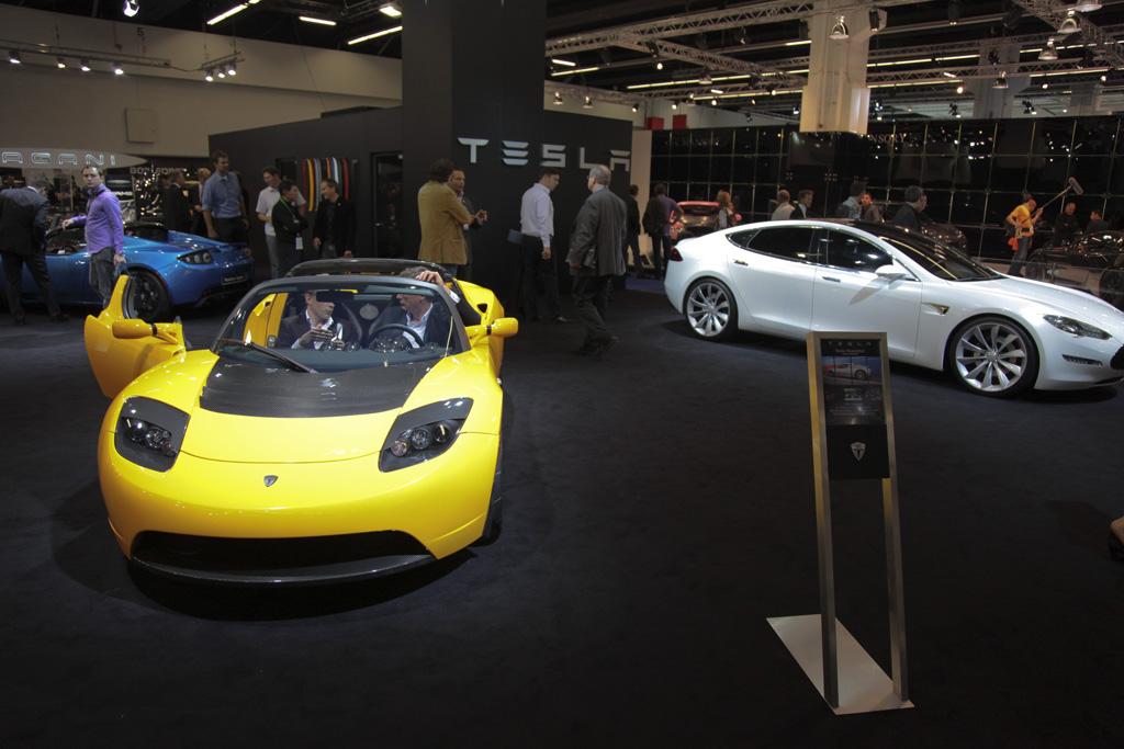 FOTO: Tesla Motors, singura marca care a venit cu supercar-uri 100% electrice la Frankfurt