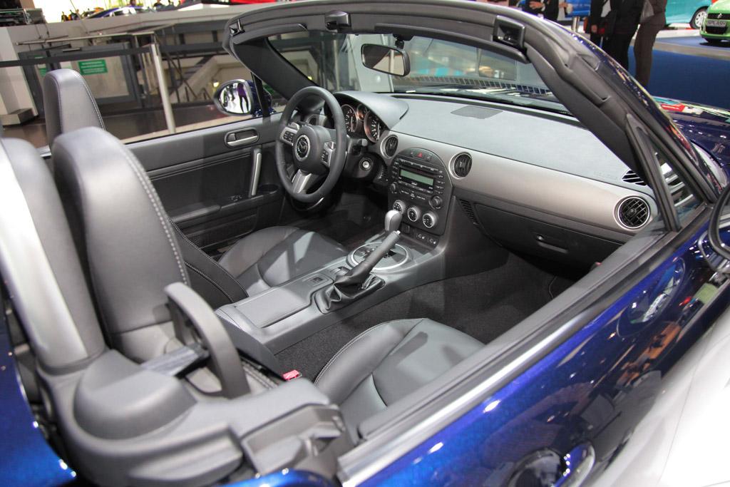 UPDATE – FOTO: Mazda a venit la Frankfurt cu modelul-concept MX-5 Superlight