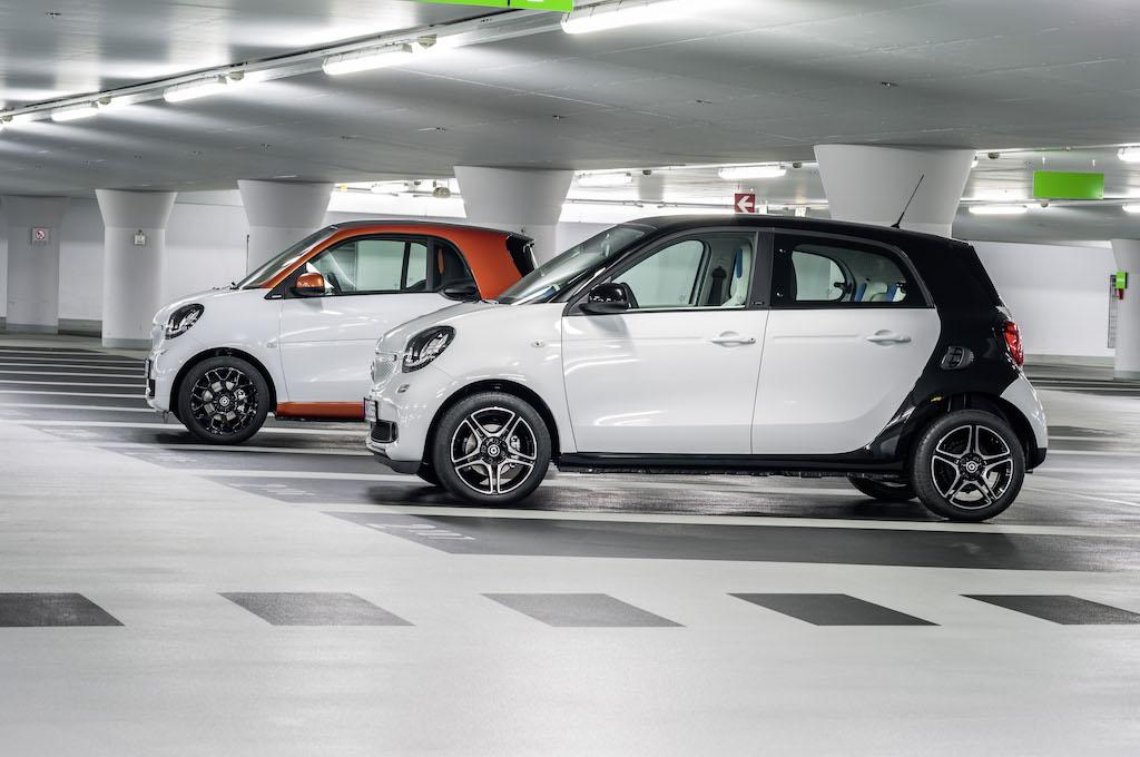 Noile smart fortwo si smart forfour au in Romania preturi de pornire cu TVA de 11.352 euro, respectiv 12.040 euro