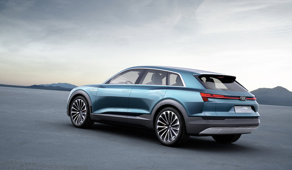 VIDEO, FOTO: Audi e-tron quattro concept va intra in productie fara mari modificari