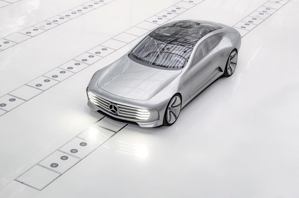 """Mercedes-Benz """"Concept IAA"""" (sursa - Daimler)"""