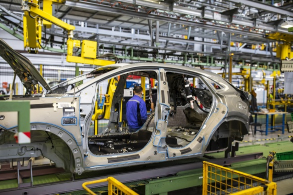 UPDATE – VIDEO, FOTO: Primul sedan din istoria Porsche, Panamera, lansat in Romania de la 98.000 euro
